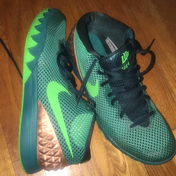 Nike Shoes   Nike Kyrie Australia